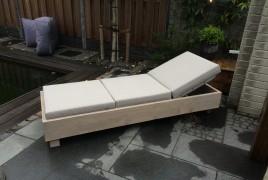 Kopfteil 5-fach verstellbar Auflagen wetterfest, lichtecht und wasserabweisend Material: Bauholz Oberfläche: geschliffen, gebürstet, geölt Farbe: weiß
